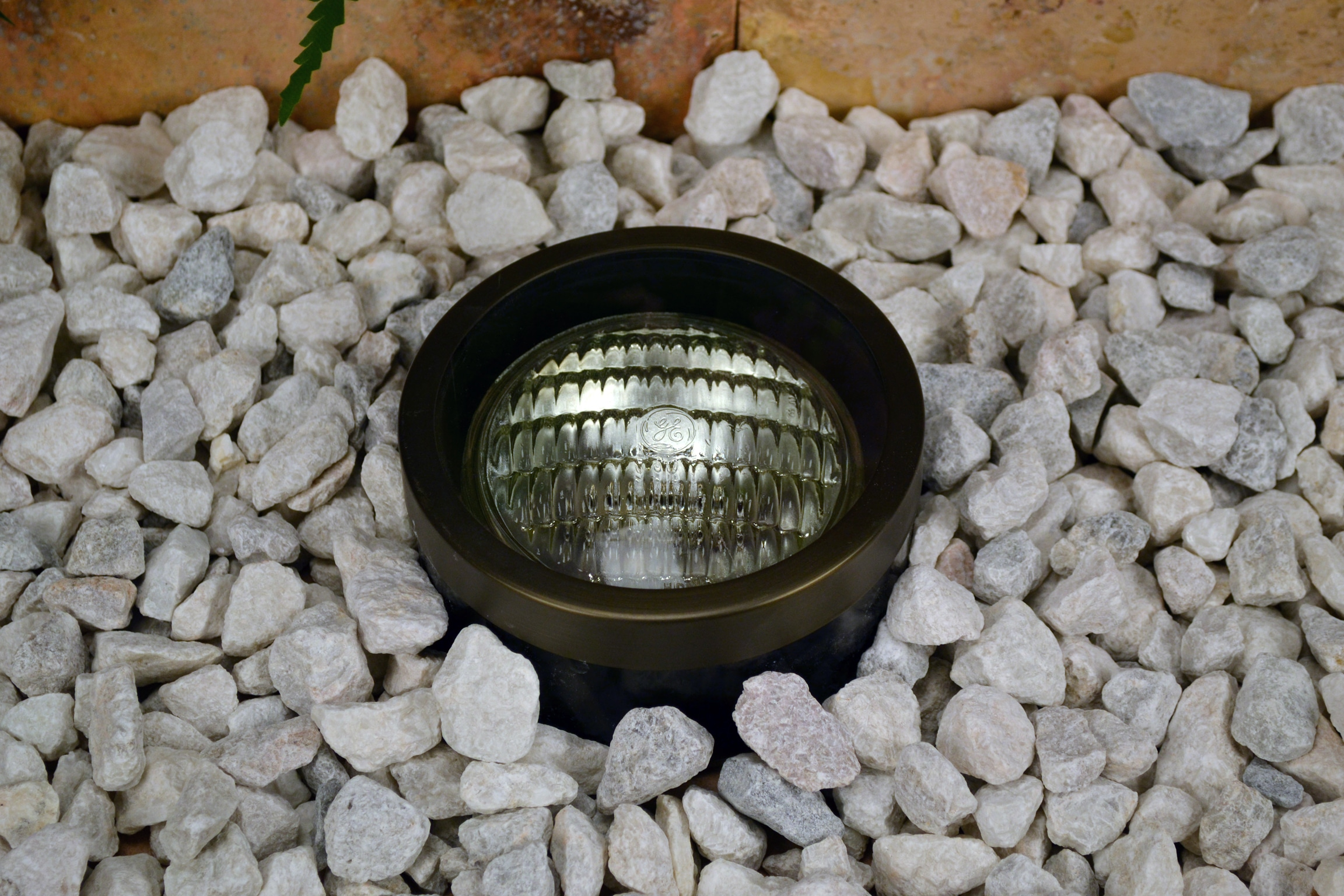 Unique Lighting Systems Cardinal 12 Volt Brass Well